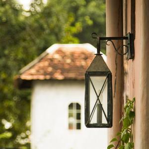 Đèn tường sân vườn dạ cổ xin lung linh