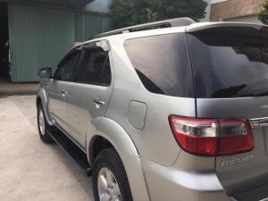 Cần bán xe Toyota Fortuner G mt 2011, diesel, silver, odo 90.000km