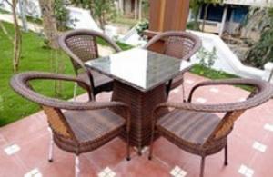 Chuyên sản xuất bàn ghế dùng cho các công trình quán : cafê,nhà hàng,quán ăn,bar,resort…