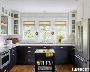 Tủ bếp gỗ Dỗi thiết kế bán cổ điển với chữ U – TBT28