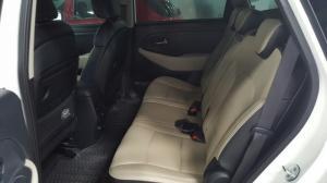 Bán Kia Rondo GAT 2.0AT màu trắng sản xuất 2016 số tự động