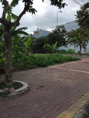 Bán đất 2 mặt tiền đường Phan Bội Châu, phường Long Tâm, Bà Rịa Diện tích : 14,7 x 22m ( 3 lô liền nhau )
