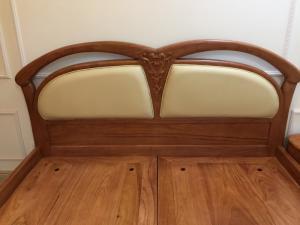 Giường ngủ tân cổ điển gỗ gõ đỏ bọc +nệm da đẹp-GN40