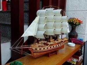 Tàu gỗ đồ Mỹ nghệ thủ công