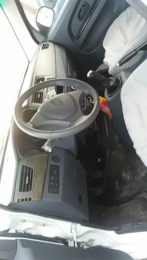 Xe tải van dongben 5 chỗ và 2 chỗ