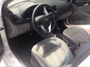 Bán Hyundai Accent 1.4AT nhập 2012 màu trắng đi 11000km số tự động
