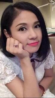 Người đẹp tây đô Việt Trinh đặt ưu ái cho Son Pearl chất lượng