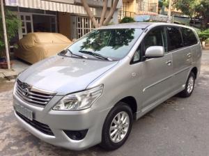 Bán Toyota Innova 2.0E 2013 2 phao màu bạc cực đẹp xe zin