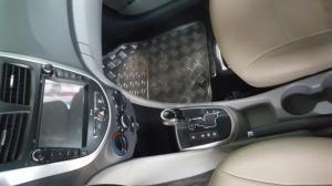 Bán Hyundai Accent 5 cửa số tự động nhập Hàn Quốc 2013 màu trắng biển Sài Gòn