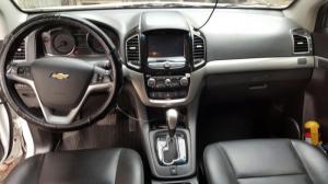 Bán Chevrolet Captiva Revv 2.4AT màu trắng số tự động 2016 biển Sài Gòn
