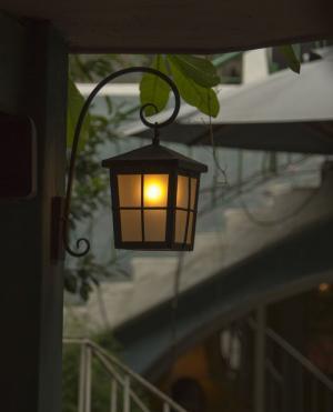 Đèn sắt sân vườn trang trí sang trọng, đẹp cổ...
