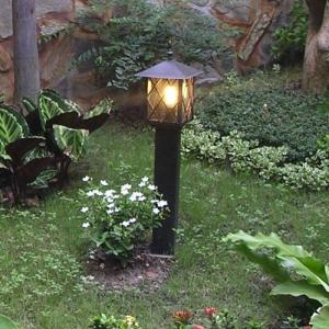 Đèn sân vườn dòng cổ điển sang trọng, phong cách dạ cổ