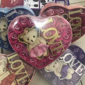 Hộp Hoa Hông Có Chữ Love