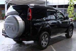 Bán Ford Everest Limited 2.5AT màu đen VIP máy dầu 2010 số tự động