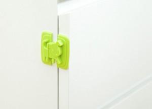Miếng chặn cửa hình thú chống kẹt tay trẻ em đảm bảo an toàn tuyệt đối cho bé yêu nhà bạn khi chơi đùa gần khu vực có cánh cửa ra vào hay cửa sổ.