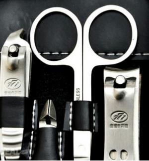 Bộ dụng cụ làm móng 12 món đa năng.