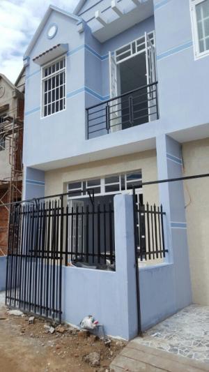 Nhà mới xây 1 trệt 1 lầu 3 phòng ngủ 2wc diện tích 5x16m