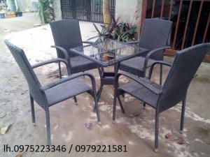Chuyên sản xuất bàn ghế dùng cho các công trình quán: cafê, nhà hàng, quán ăn, bar