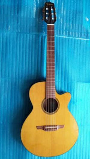Takamine clasical guitar Nhật