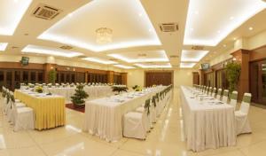 Chuyên tổ chức hội nghị và cho thuê thiết bị hội nghị