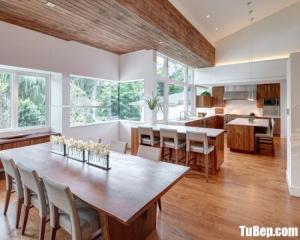 Thiết kế bếp cho căn hộ chung cư chất liệu gỗ công nghiệp cao cấp