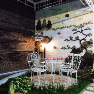 Bộ bàn ghế sắt sân vườn