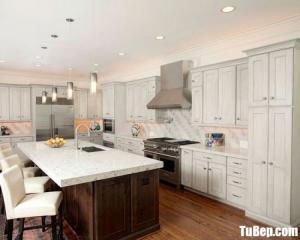 Tủ bếp gỗ Sồi sơn trắng bán cổ điển– TBN0036
