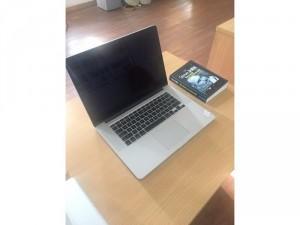 Bán macbook 15 ME664 i7/r8/ssd256 giá sốc!