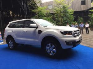 Ford Everest AMBIENTE 2017 Máy dầu 2.2L 6 MT