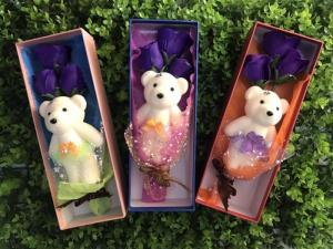 Quà tặng hoa hồng mạ vàng ,hoa hồng sáp kèm gấu