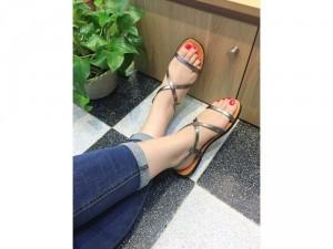 Giày sandal chéo dây màu xám chì