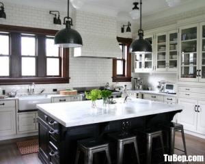 Mẫu tủ bếp gỗ tự nhiên sơn men trắng – TBN0041