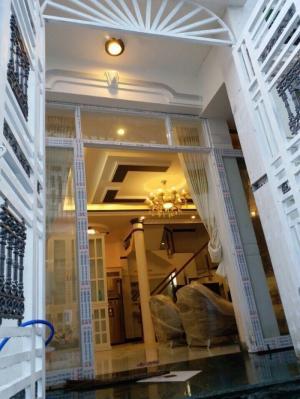Bán nhà 3 tầng DT 6m x 10m, 4PN, hẻm 8m, hướng Tây Bắc, đường Huỳnh Tấn Phá, TT Nhà Bè