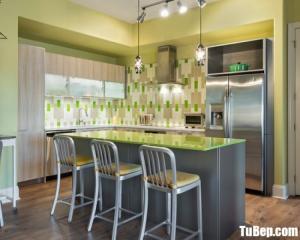 Tủ bếp gỗ Laminate màu vân gỗ thiết kế hiện đại – TBT40