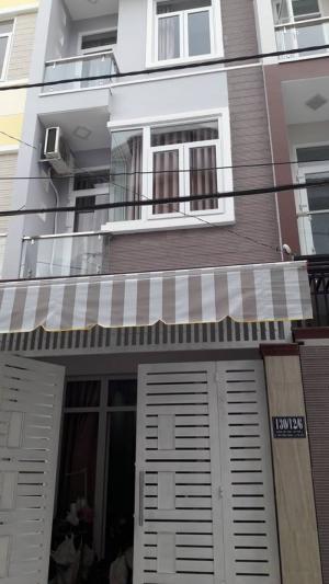 Nhà 3 lầu /95m2 /đông nam/1 trệt 2 lầu gần siêu thị Coop Mart Bình Triệu