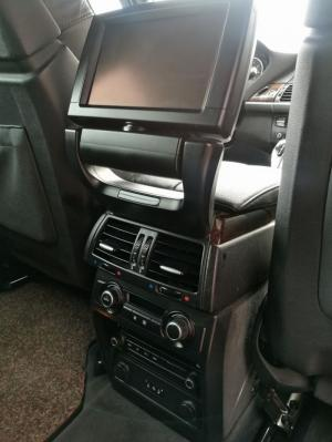 BMW X5 4.8