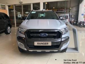 Ford Ranger Wildtrak 3.2L màu nhám bạc, chỉ...