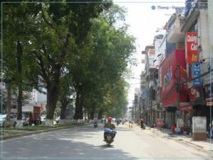 Nhà mặt phố Vọng, vỉa hè rộng, kinh doanh sầm uất, 32m2, mặt tiền 4m; 9,4 tỷ (Bán gấp)
