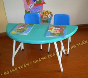 Công ty chuyên cung cấp các thiết bị đồ chơi cho các bé.