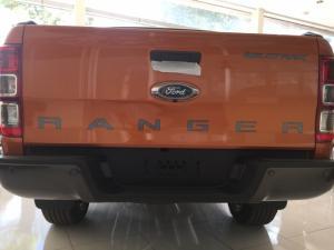Giá sốc giá sốc khi mua xe bán tải Ranger, giảm giá sâu, tặng phụ kiên.