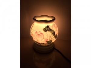 Mua 1 đèn xông tinh dầu tặng ngay 1 tinh dầu 10ml