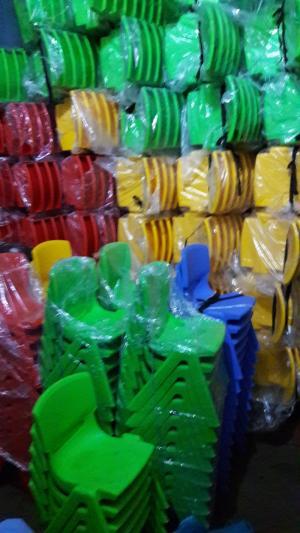 Ghế nhựa siêu đáng yêu dành cho các bé