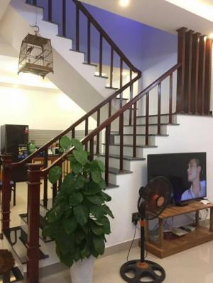 Cần bán nhà 2 tầng 2 mặt kiệt ô tô Lê Thanh Nghị