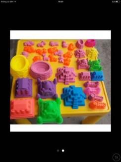 Bộ đồ chơi cát động lực