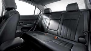 Chevrolet Cruze KM Khủng T12 lên đến 70 Tr, Vay 90%, Chỉ từ 130 - 150Tr lấy xe ngay.
