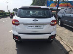 Ford Everest 2018, Giá sốc