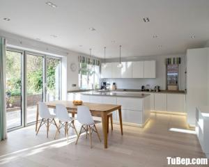 Tủ bếp gỗ Acrylic màu trắng sang trọng thiết kế tinh tế – TBT45