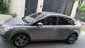 Bán xe Ford Focus 2011 màu xám tự động đẹp leng keng chính chủ.