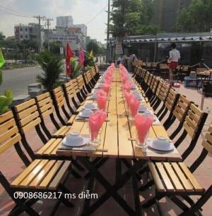 chuyên sản xuất bàn ghế gỗ chân sắt giá rẻ nhất