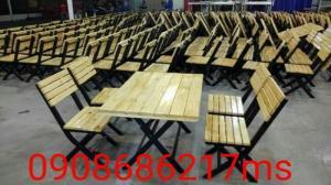 Bàn ghế gỗ chân sắt cần thanh lý